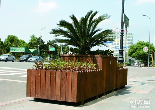 宁波防腐木,宁波防腐木地板铺装,宁波防腐木围栏,花箱,树池等