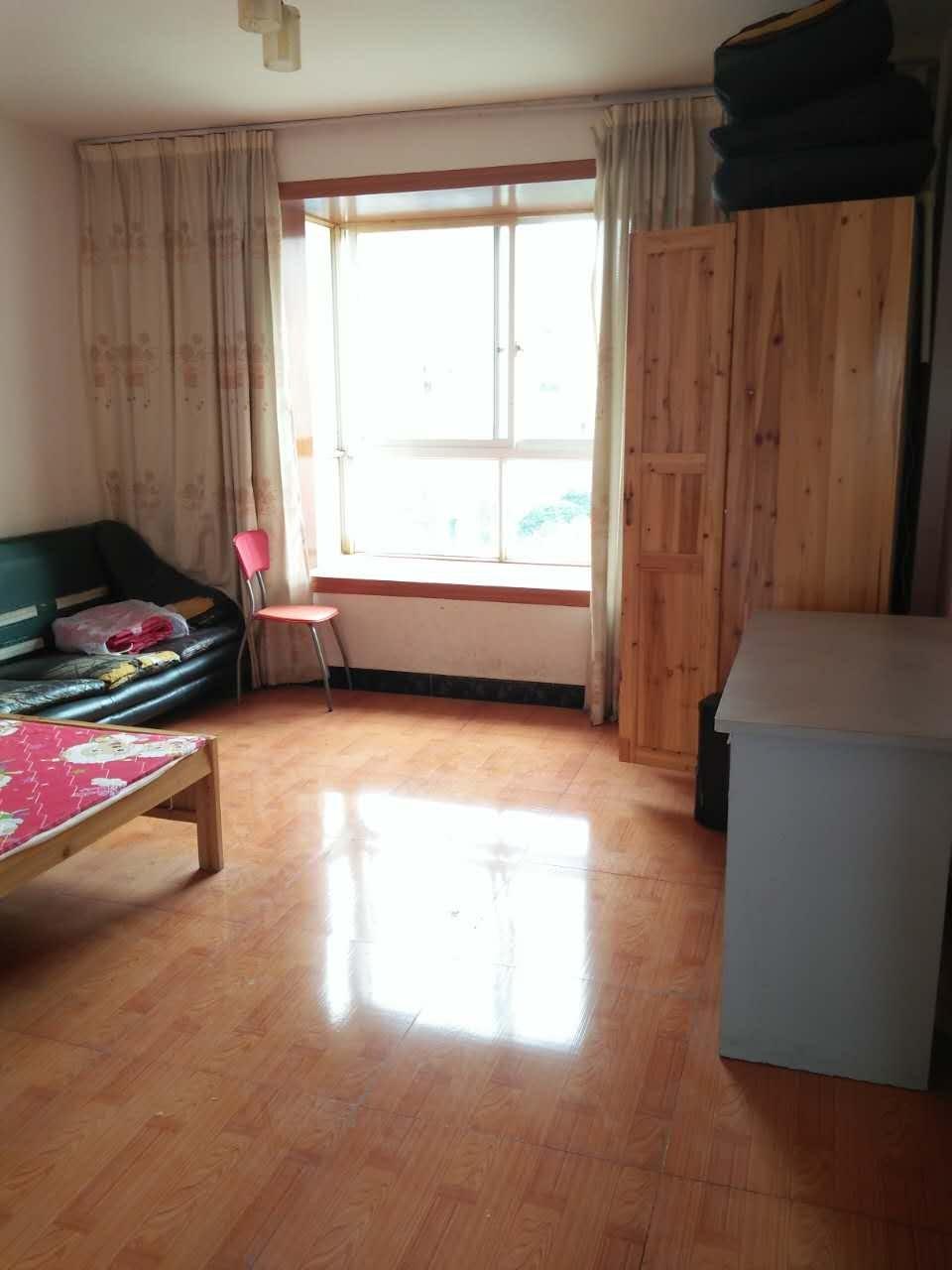 丽阳天下好房降价急租,中装三房,房屋舒适整洁,看房方便有钥匙丽阳天下