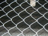 供应包塑勾花网,pvc勾花网,菱形勾花网,体育场勾花围栏网