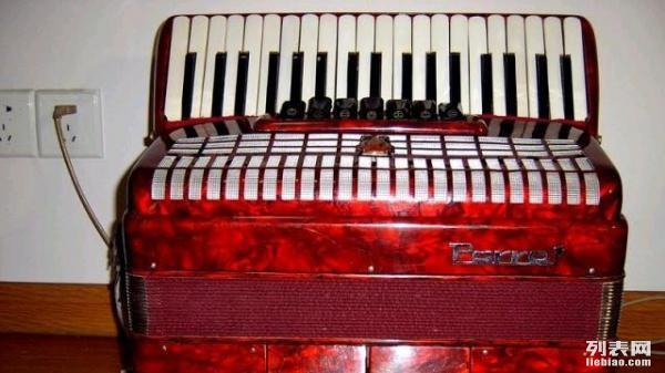 转让鹦鹉牌80贝司手风琴