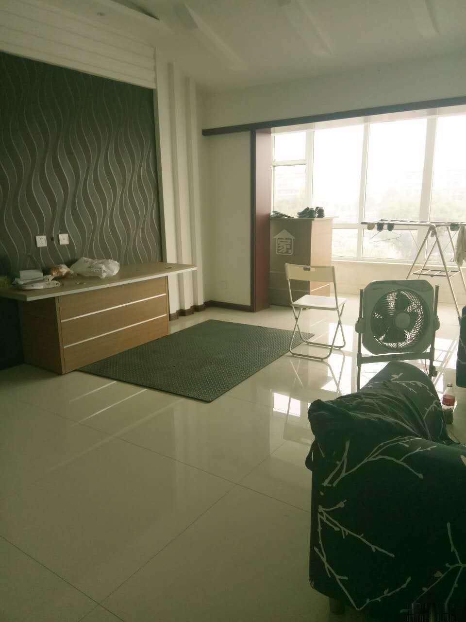 居然之家对面,和谐新区 56万 3室2厅1卫 带车位带地