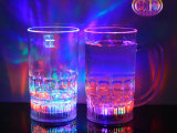 创意杯子水杯礼物品倒水就亮LED幻彩发光杯新奇特啤酒杯