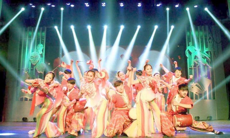 提供珠三角地区专业舞台灯光摄影婚庆会展策划服务
