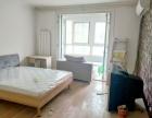 四居室出租 坐拥八号线和13号线 舒适四居室 家具家电齐龙锦苑东