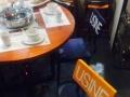 三汁焖锅全套设备和高级桌椅低价出售以及霸气机器人出售
