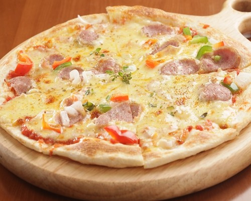 我想在深圳开家披萨店榴莲裙品牌怎么样 费用多少