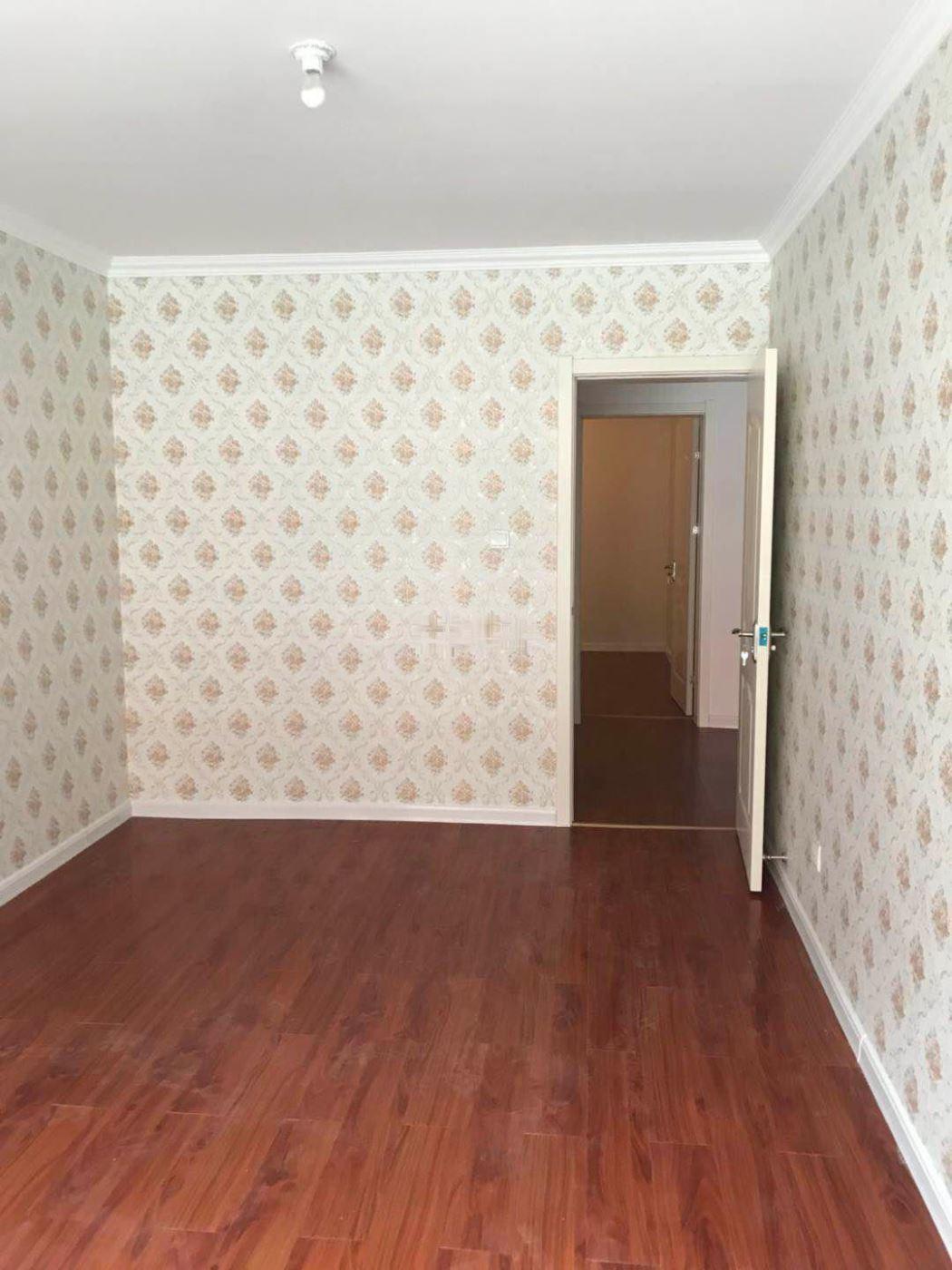 左岸春天 3室2厅1卫左岸春天