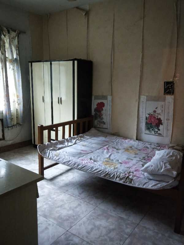 华新街 江北北滨路金源广场 3室 1厅 合租江北北滨路金源广场对面