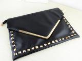 2013新款女包欧美复古铆钉v字信封包手拿包手包单肩斜跨包包
