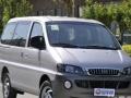 五菱荣光面包车和自动挡丰田威驰轿车出租