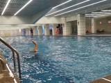 白宫室内恒温游泳健身,番禺厦滘地铁站游泳健身