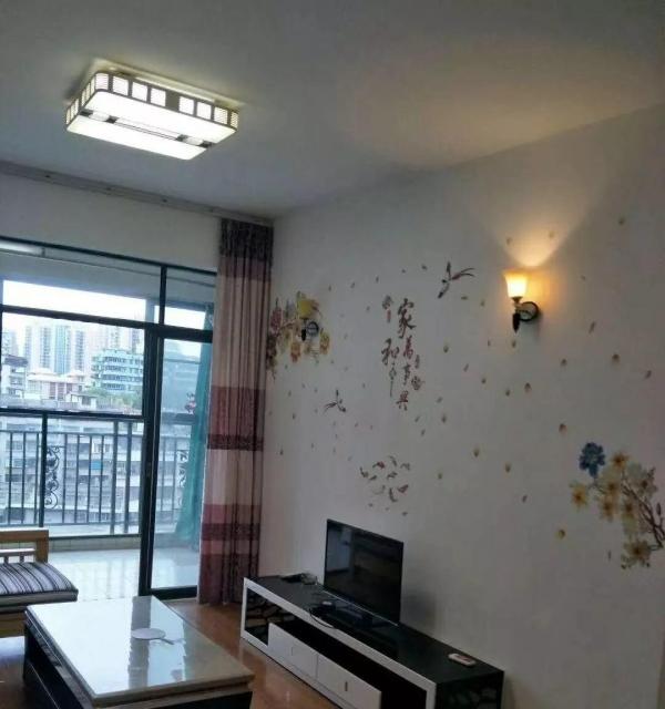 精装装修新华北香槟小城电梯12楼,2房2厅,租2300,