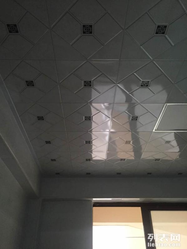 佳华小区 3室 1厅 90平米 整租