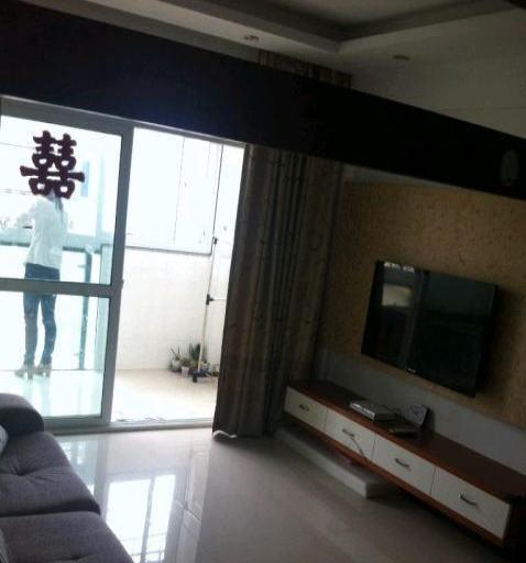 海滨公寓2室1厅1卫1200元,六楼,压一付三
