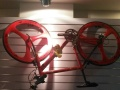 跑步机等健身器材自行车办公桌椅若干