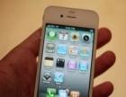 成色很好的苹果4手机,一切正常。