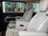 上海啟欣租車 奔馳V260出租 單位用車租賃7座高端商務車