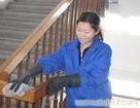 天河区保是宾馆洁公司大厦门厅 大堂▲的保洁 玻璃门清洗