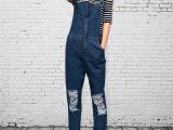 2015新款复古个性膝盖破洞牛仔裤宽松女式休闲时尚背带裤女长裤