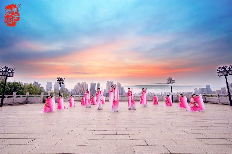 奥克斯广场附近有学中国舞的地方吗