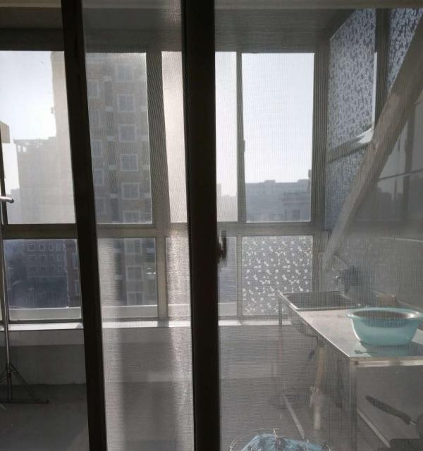东方绿苑 2室2厅72平方 顶楼出租1100元 拎包入住