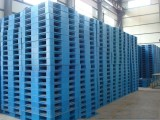 沈阳工厂塑料托盘回收各种食品箱高价回收