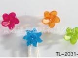 供应2012最新产品,促销塑料加砖蝴蝶,梅花挂钩,七片花挂钩