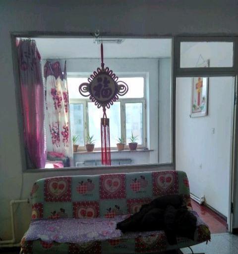-龙江四道街信合家属楼2室1厅1卫900元