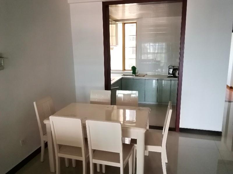 紫园别墅花园洋房三室两厅两卫整体出租 3室 2厅 140平米