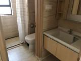 全新家私家电,业主急租,底价2300,客厅还有空调万科柏悦湾