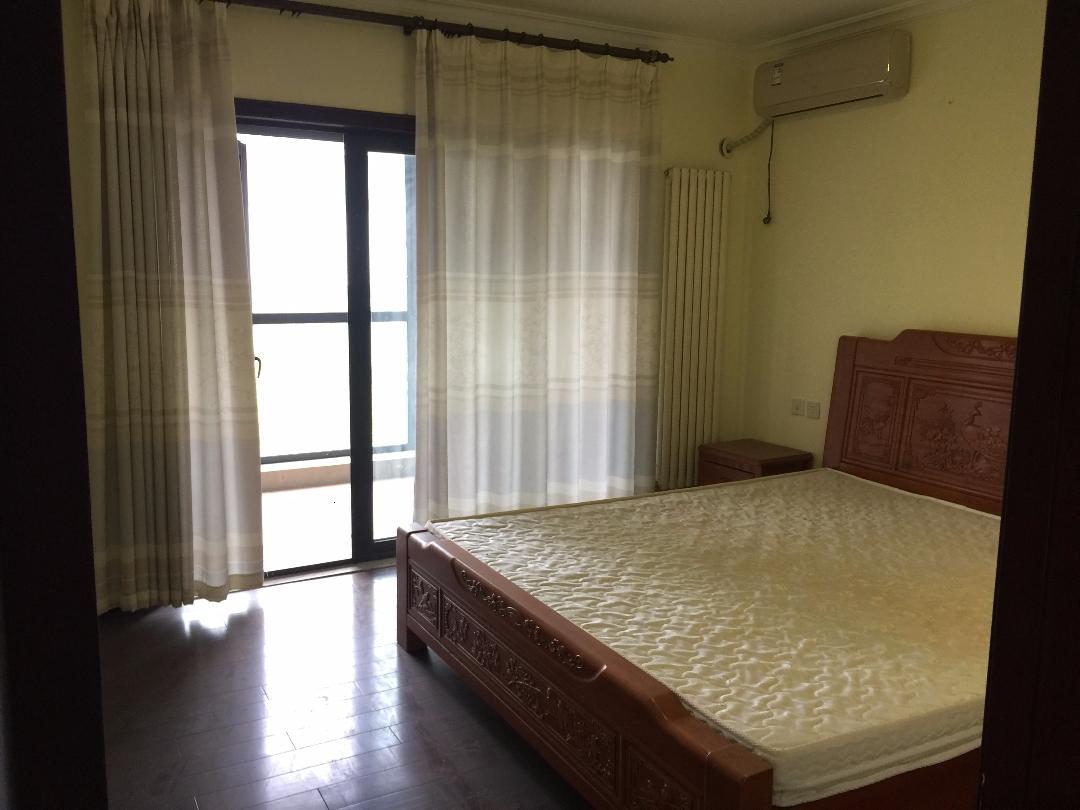 绿城百合 婚房首选 精装4室 低于市场价410万急售!