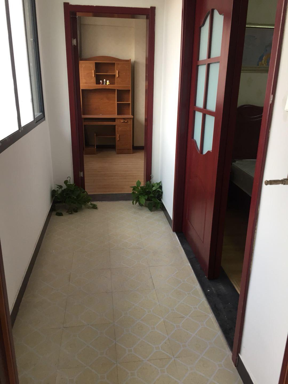 崇仁路轻轨站硚口房地局旁精装修送30平米大阳光房
