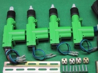 维修汽车中控锁,遥控不能解锁车门的故障或锁不了车的故障