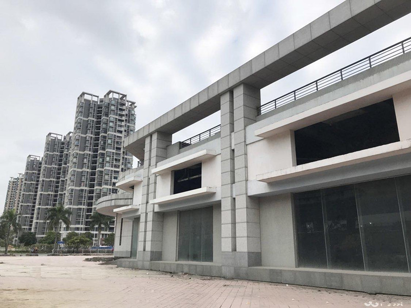 宝安 海滨大道五千平一楼 可分割 宜各业 仅需110元