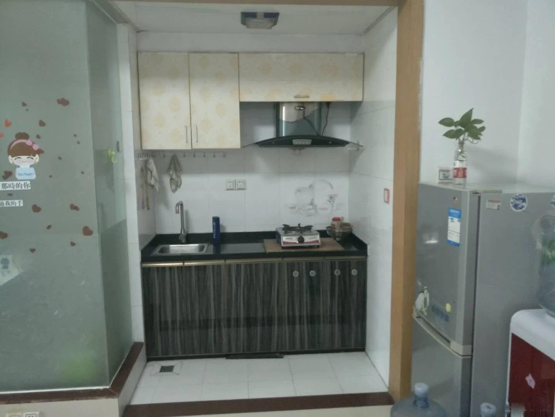 中澳公寓全新家私家电 拎包入住房子干净 生活配套成熟中澳新城郦湖居