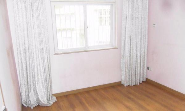 红塔开发区烟厂 3室2厅 93平米 精装修 年付