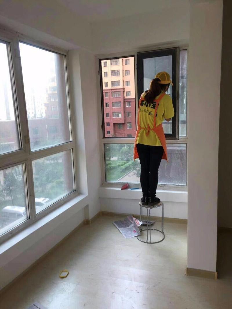 千里马家政 日常保洁 开荒保洁 家庭上门服务公司打扫阿姨