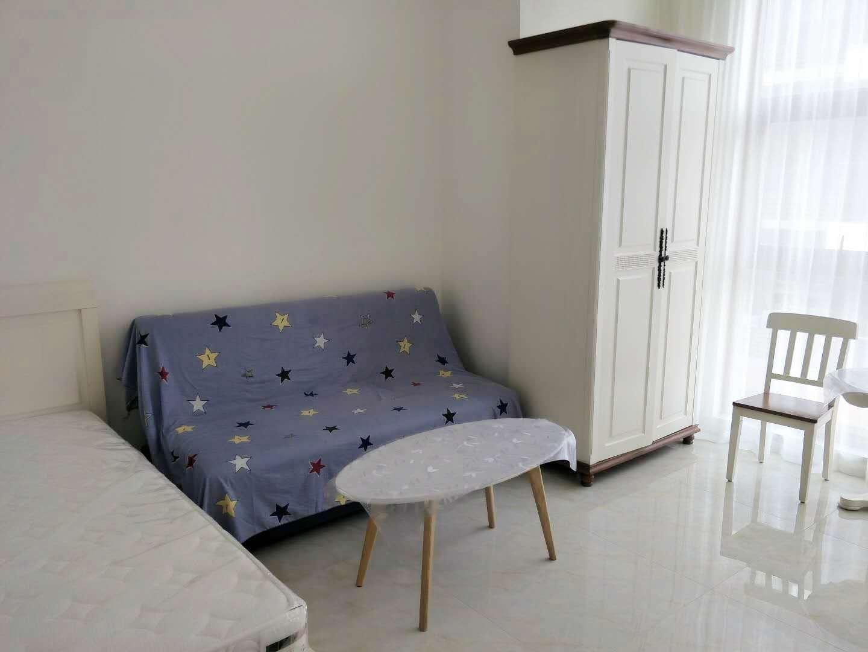 三亚市内常年短租长租一房一厅二房一厅三房一厅三亚湾碧海蓝天