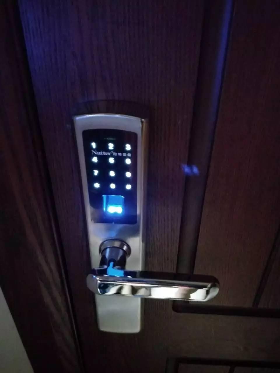 长春锁博士开锁换锁修锁 开锁公司电话 换锁价格 换C级锁
