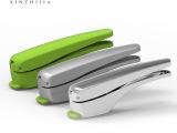 厂家直供加大耐用不生锈厨房小工具锌合金剥蒜器GP11