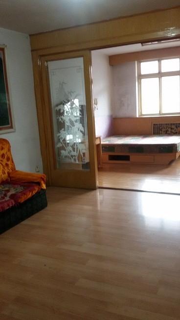 狮子沟镇 六中家属楼 2室 1厅 70平米 整租