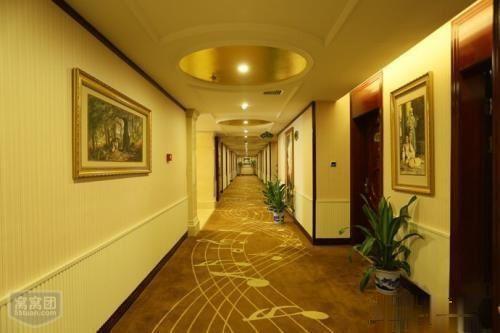 南方市场维也纳酒店 十年 9个点 满租约回购 年底20套