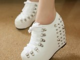 韩版秋款显脚瘦个性铆钉坡跟单鞋 厚底内增高女靴性感女鞋批发