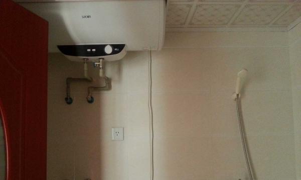城区东信广场 2室1厅 100平米 精装修 年付 包费用