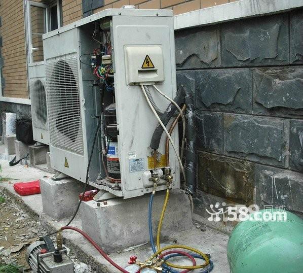 长期承接中央空调 家用空调维修 清洗 加雪种 保养