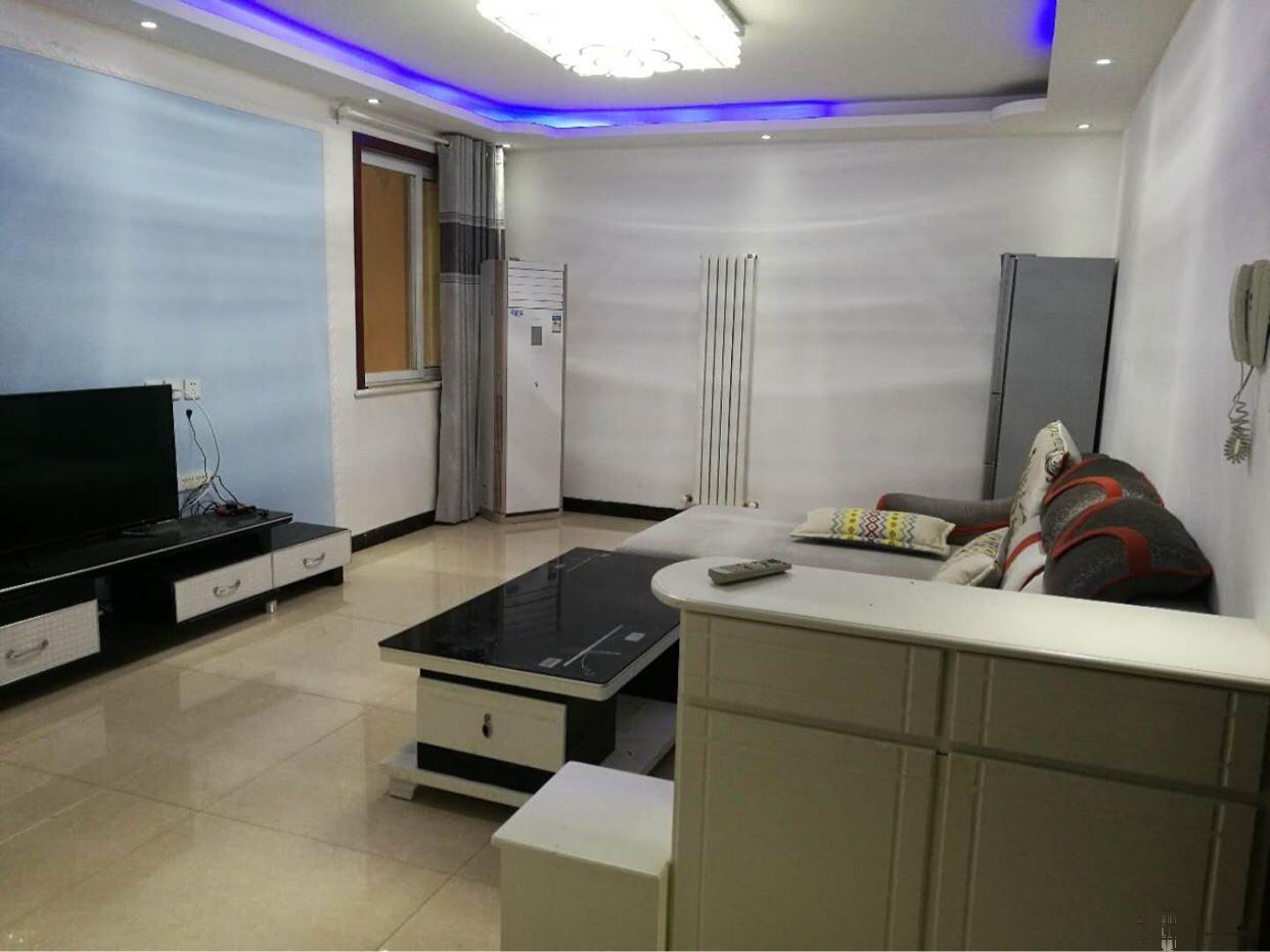 和昌悦澜 2600元 3室2厅1卫 精装修全套高档家私电和昌悦澜