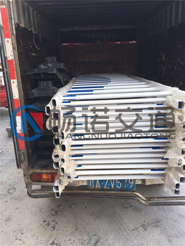 有品质的交通护栏南宁哪里有售-南宁锌钢市政护栏