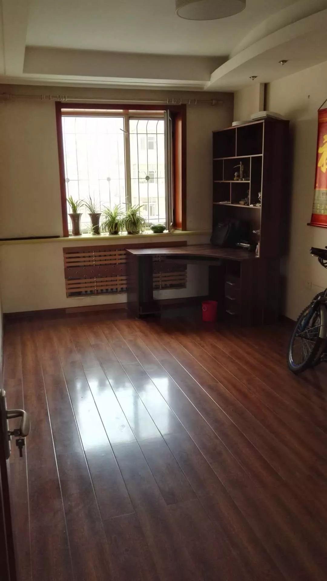 出租保健路与征仪路交口金博花园两室一厅拎包即住