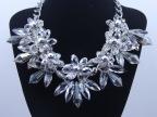 外贸热销欧美大牌女士项链水晶玻璃七花朵吊坠项链饰品厂家直销
