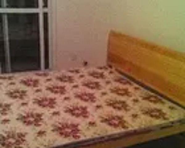 因回老家,便宜转让实木双人床,1800:X2000